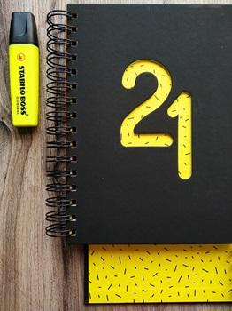 Agenda 2021 Cangini n 7 dia shine amarillo espiral